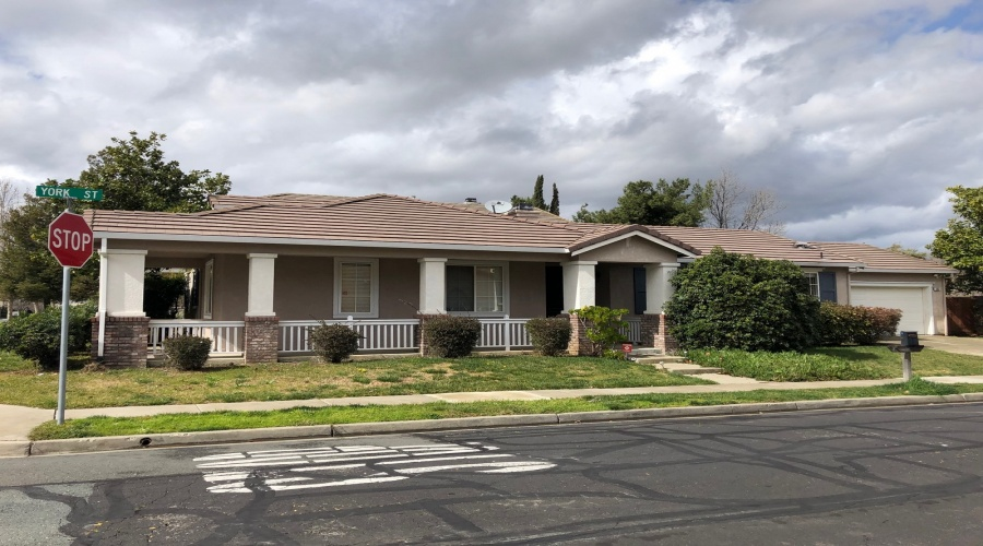 W 6th Street, Pittsburg, California 94565, 3 Bedrooms Bedrooms, ,2 BathroomsBathrooms,Single Family House,Sold,W 6th,1052